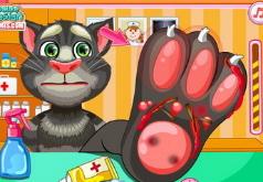Игры Говорящий кот Том лечит ногу