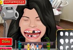 Игры Селена Гомез лечит зубы