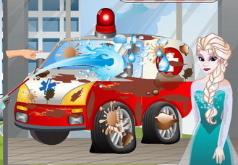 Игры Автомойка Эльза моет карету скорой помощи