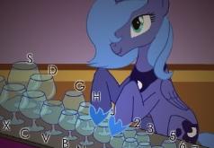 Игра Дружба это Чудо: Принцесса Луна играет на стаканах