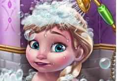 Игра Снежная Королева: Помой Ребенка